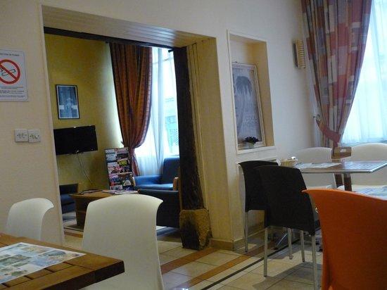 Hotel Parisiana : Hall del hotel