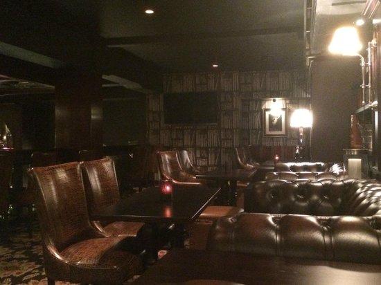 Hotel Bristol: Bar/Library