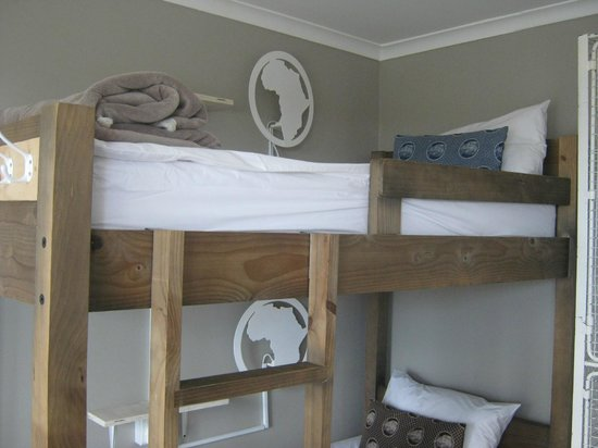 The Backpackers in Green Point: room for 4 people - bunk bed