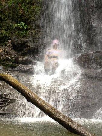 Eco Living Lodge: water fall massage