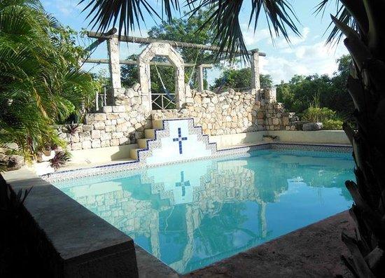 Hacienda Hotel Santo Domingo: Pool vom Restaurant aus gesehen