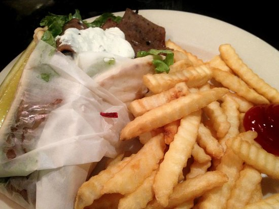 No Frill Bar and Grill: Gyro and Fries