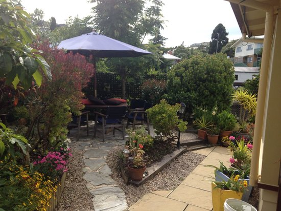 Ambleside Bed & Breakfast: Outdoor area
