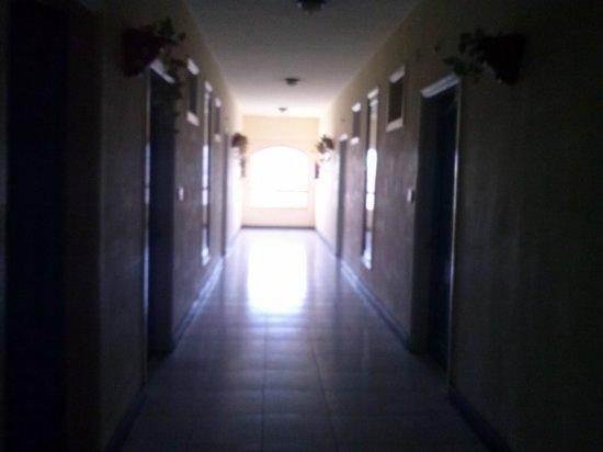 Triton Empire Hotel: Obszerne korytarze hotelu