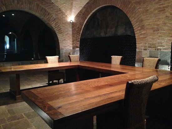 Andeluna Cellars: Tasting table for importers or large groups