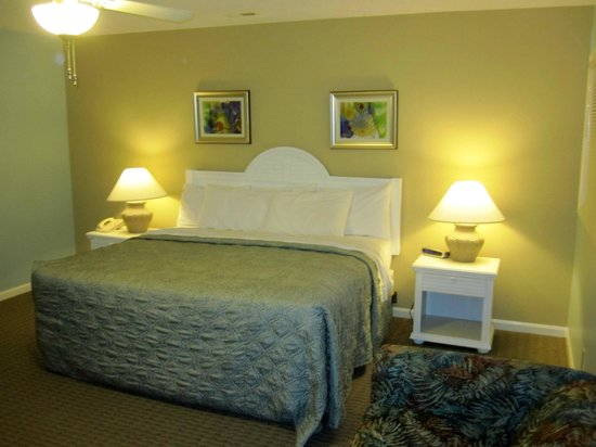 Plantation Resort: Upstairs Bedroom