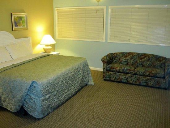 Plantation Resort: Upstairs Bedroom & Sleeper Sofa