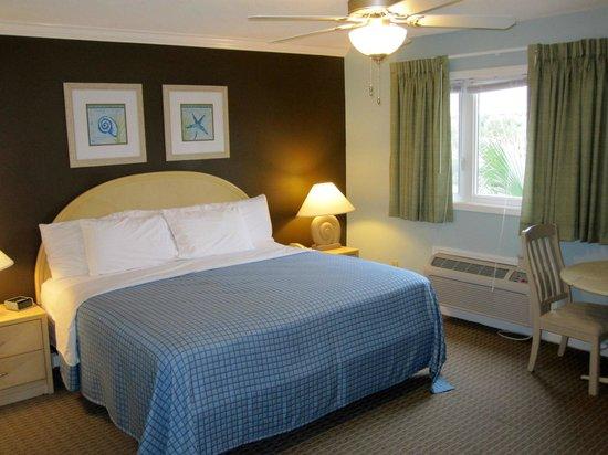 Plantation Resort: Downstairs (2nd) Bedroom