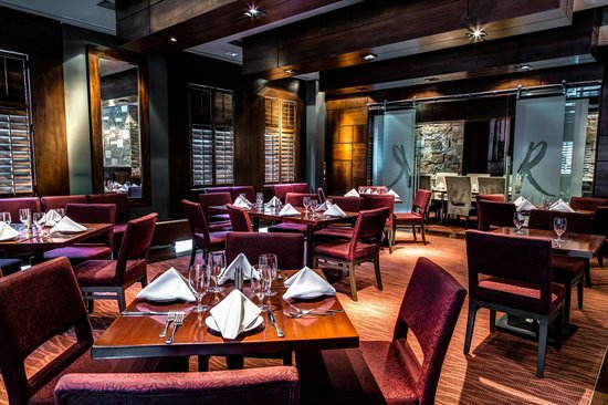 Redwater Rustic Grille - Bow Valley Square : The main dining room