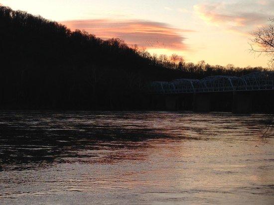C&O Canal Historical Park: Potomac River at sunset