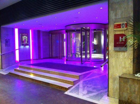 Hôtel Barrière Le Gray d'Albion: L'entrée