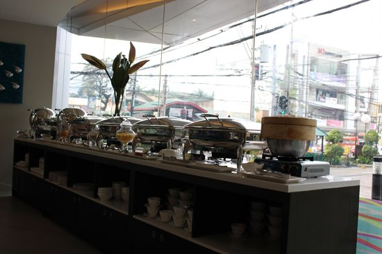 Best Western Plus Lex Cebu: breakfast at the hotel