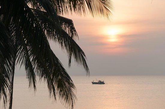 Tropicana Resort Phu Quoc: Закат с ресепшена