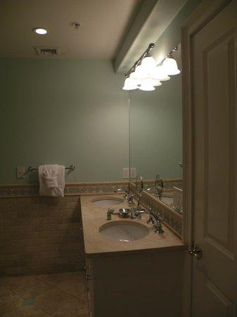 Pelham Court Hotel: Una foto del baño