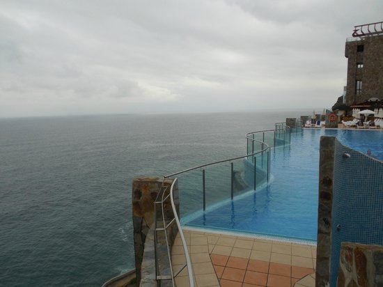 Gloria Palace Amadores Thalasso & Hotel : Ocean view from the pool