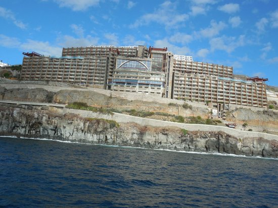 Gloria Palace Amadores Thalasso & Hotel : Gloria Palace Amadores from the sea