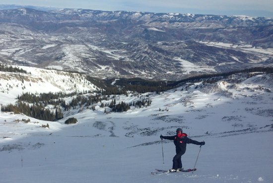 The Westin Snowmass Resort: Our boy taking on the mountain...great wide runs, not overly crowded.