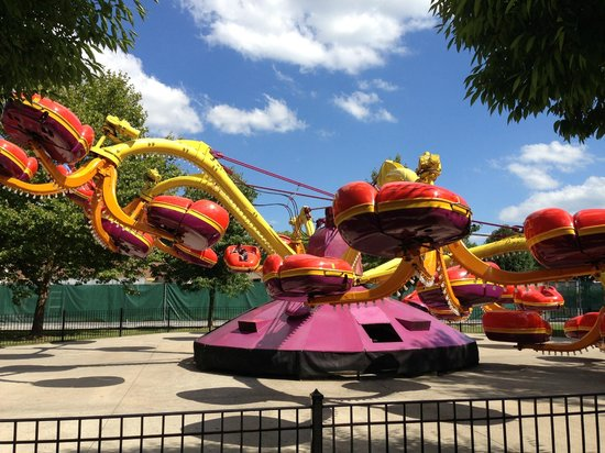 Dorney Park & Wildwater Kingdom: Monster
