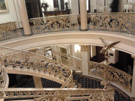 Hotel El Avenida Palace: public  area in the hotel