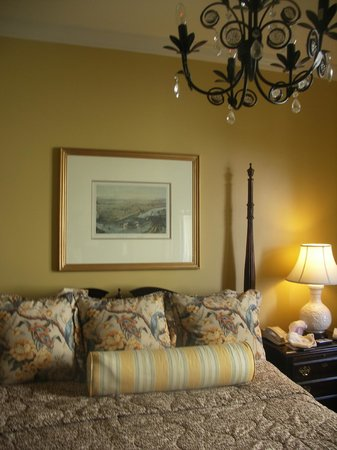 Bienville House: Authentic historic rooms