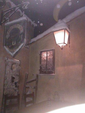 Le 20123 : Lanterne all'ingresso