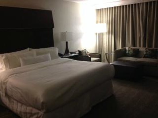 The Westin Indianapolis: King bed