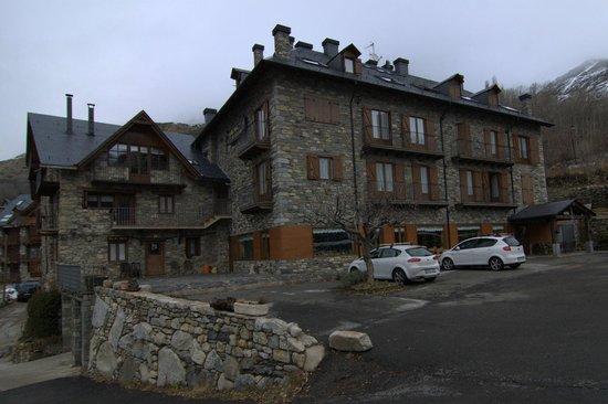Hotel el Rantiner: Vista del hotel desde el aparcamiento