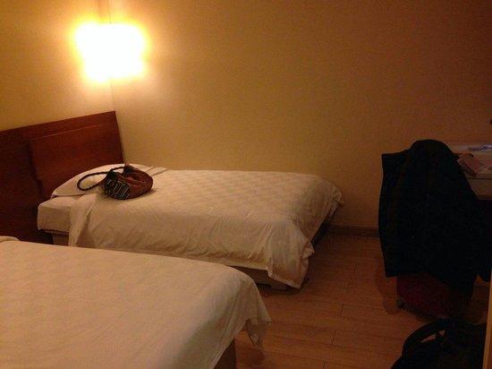 Ole London Hotel: Standard twin room