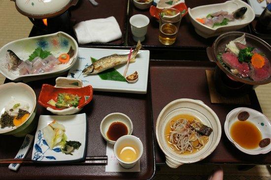 Showakan: この料理を食べ終わってから30分次が来なかった!