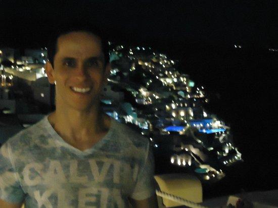 Hotel Atlantida Villas : Oia à noite