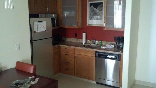 Residence Inn Idaho Falls: Kitchen