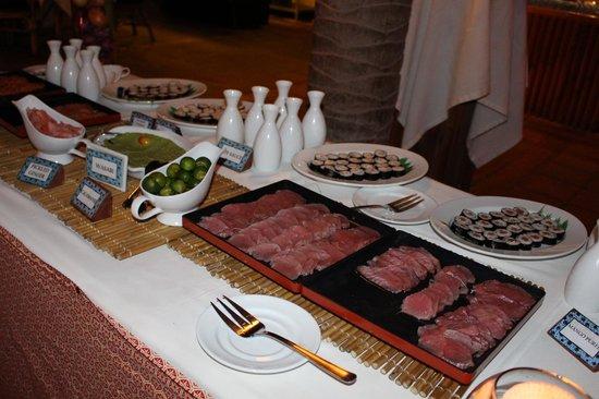 Friday's Boracay : international buffet friday