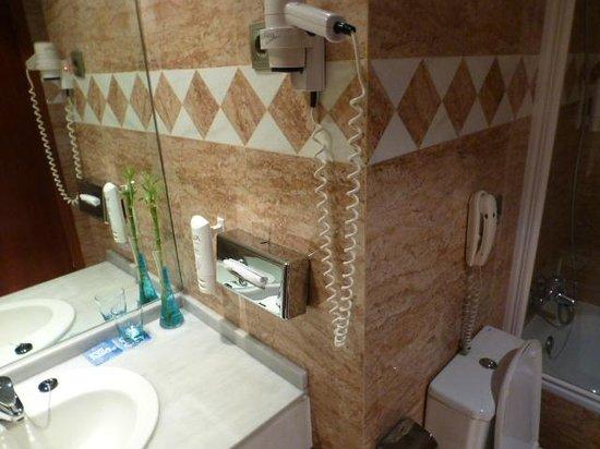 Tryp Madrid Centro Hotel : Baño