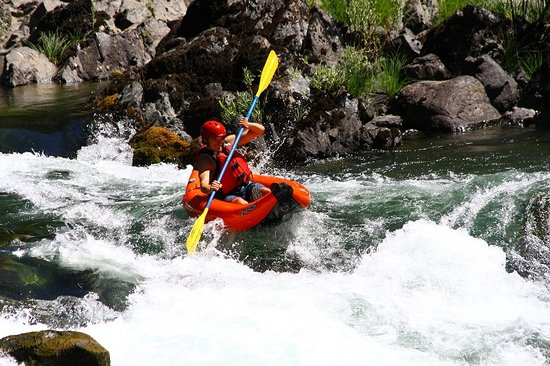 Six Rivers Rafting: Kayaking on the Trinity River