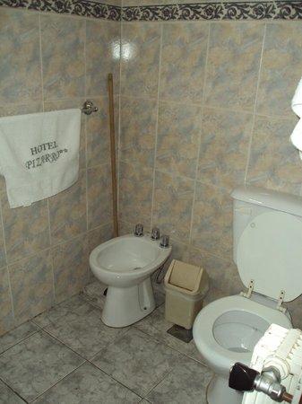 Hotel Pizarro : Baño muy limpio