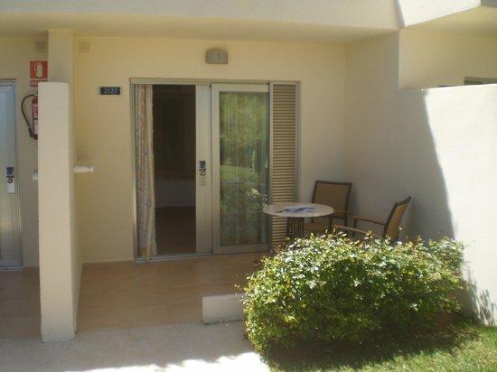 IBEROSTAR Pinos Park: extérieur chambre (entrée)