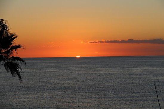 Sheraton Grand Los Cabos Hacienda del Mar: SunRise view from the Pool