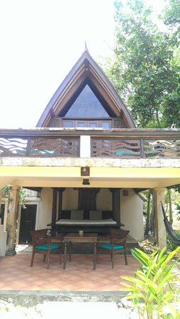 Hotel Vila Ombak : front of our hut