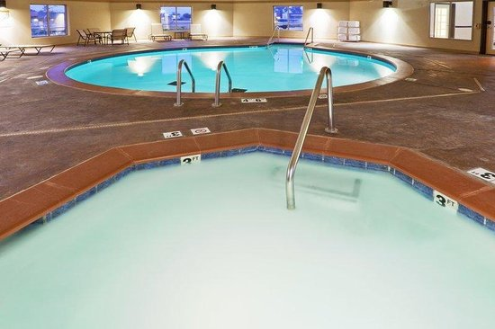 Holiday Inn Express Hotel & Suites Pauls Valley: Whirlpool