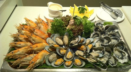 Park Plaza Sukhumvit Bangkok: New Year's Dinner, Great Buffet!