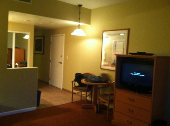 The Orchards Inn of Sedona: View in living area, dusk, room 431