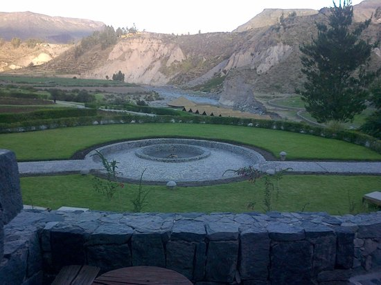 Colca Lodge Spa & Hot Springs - Hotel: Vista desde la habitación por la tarde