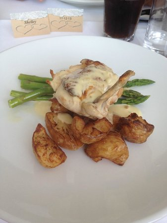 Martys at Little Beach: Chicken