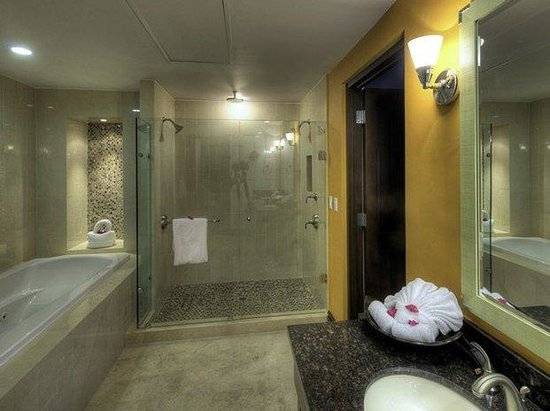 Welk Resorts Sirena Del Mar: Pic Bathroom Jacuzzi May
