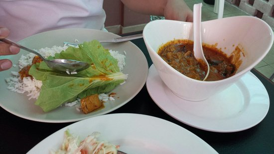 Enzaa Hotel: Yummy fish curry at iBerry cafe