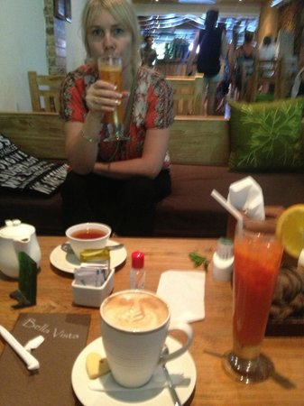 Bella Vista Coffee & Juice Bar : Lemon grass tea.... amazing and wonderful juices