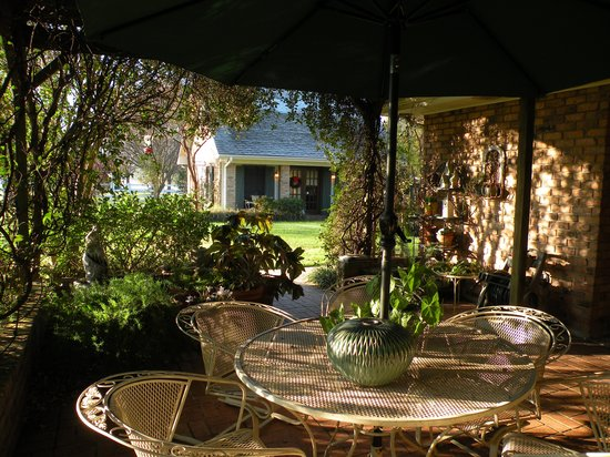 The Savoy Bed and Breakfast: Inviting Patio Area
