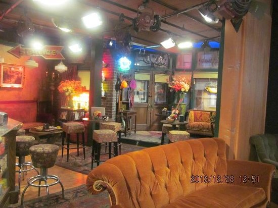 Warner Bros. Studio Tour Hollywood: Friends set