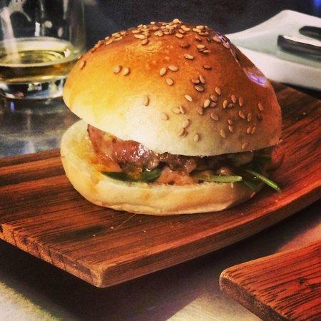 Manzanilla: Bull Burger
