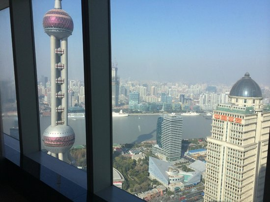 The Ritz-Carlton Shanghai, Pudong: 貼著玻璃才看的到